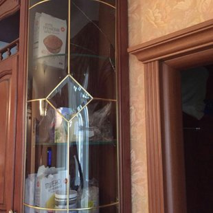 Заменили разбитое стекло