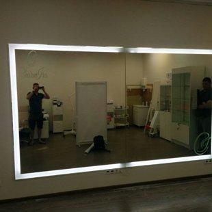 Огромное зеркало с подсветкой 3000*2000